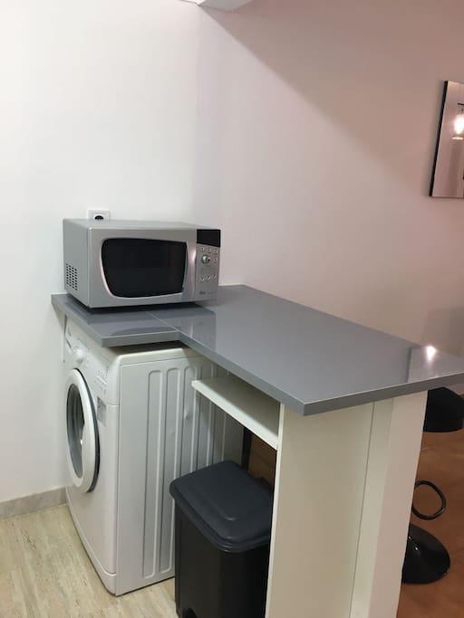 Máquina de lavar roupa e Microondas