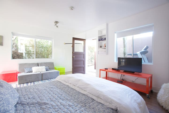 Venice Beach Studio Guest House