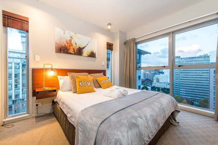 Sky Tower View Apartment in Auckland CBD-2 Bedroom