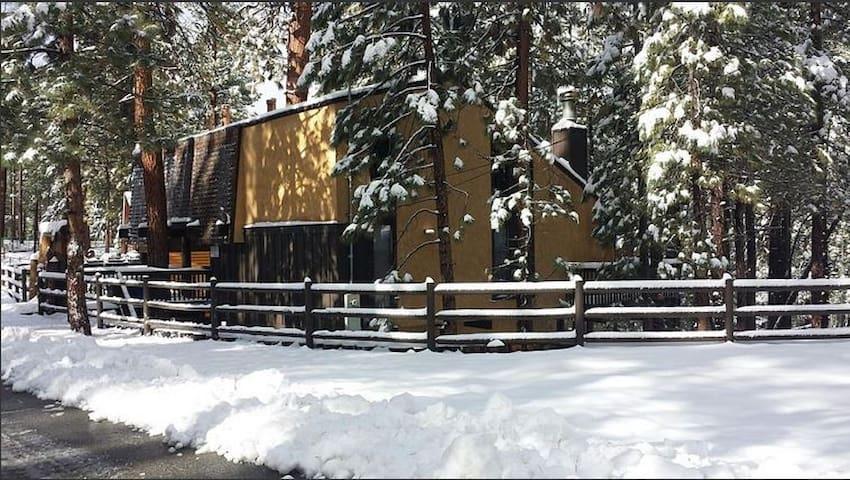Cozy Boulder Bay Retreat