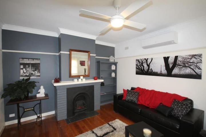 Florance2 Bedroom Home Close to CBD - Herne Hill - Huis
