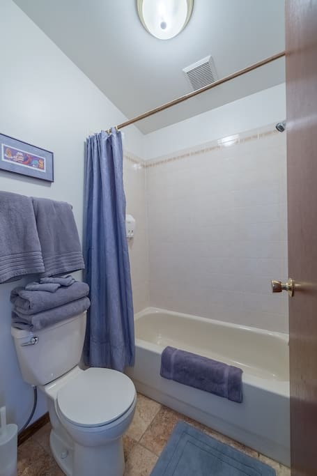 Private bathroom in both rooms.