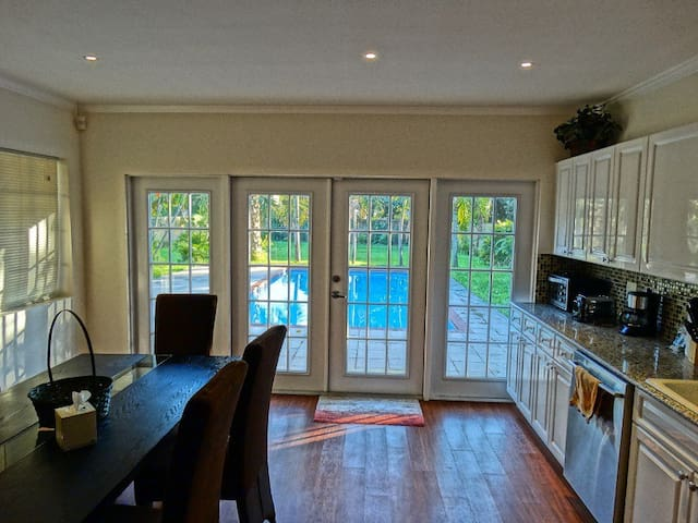 Vacation Home 2 miles from  Beach - Hollywood - Haus