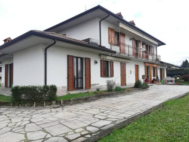 Spacious apartment, convenient Bergamo airport