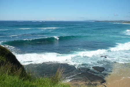 The Beach Bungalow private and pefect for couples. - Ulladulla - Lägenhet