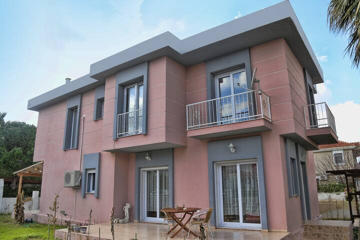 Comfy Villa in Great Location! - Alaçatı - Villa