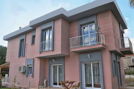 Comfy Villa in Great Location! - Alaçatı - วิลล่า