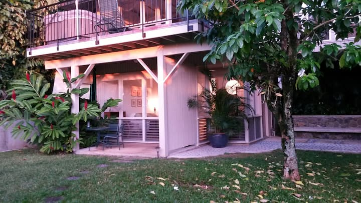 LOVELY MANOA RAINFOREST STUDIO