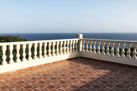 """Casa Lita"" Atlantic Breathtaking views"