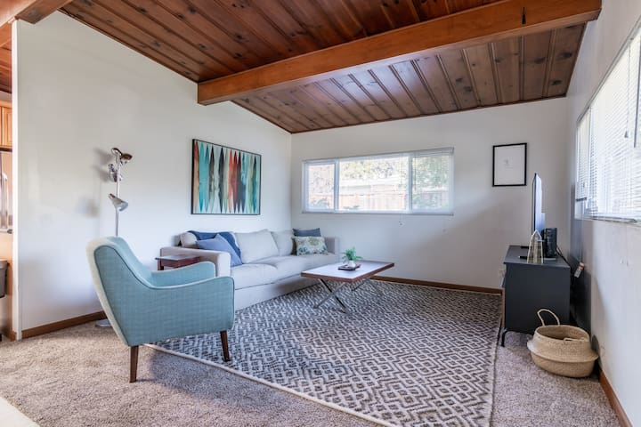 Charming 3BR in Mountain View w/ Parking & Patio