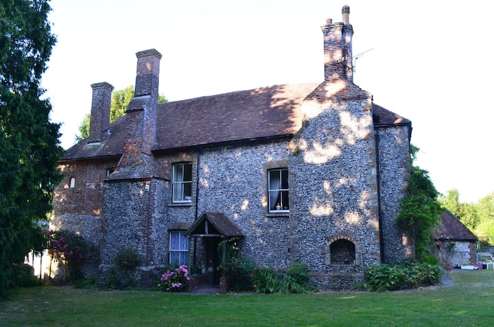 Secluded Kent COUNTRY HOME  -near Dover/Canterbury