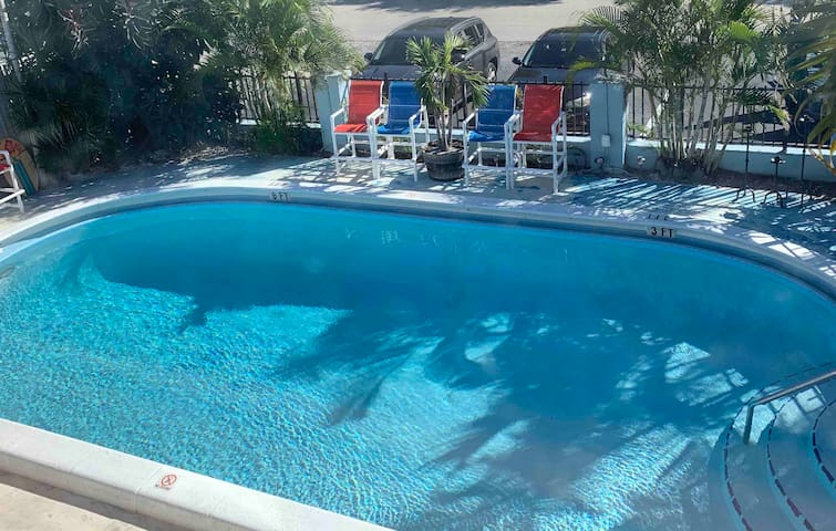 Home away from home 🏡 with Pool🌴🌞view