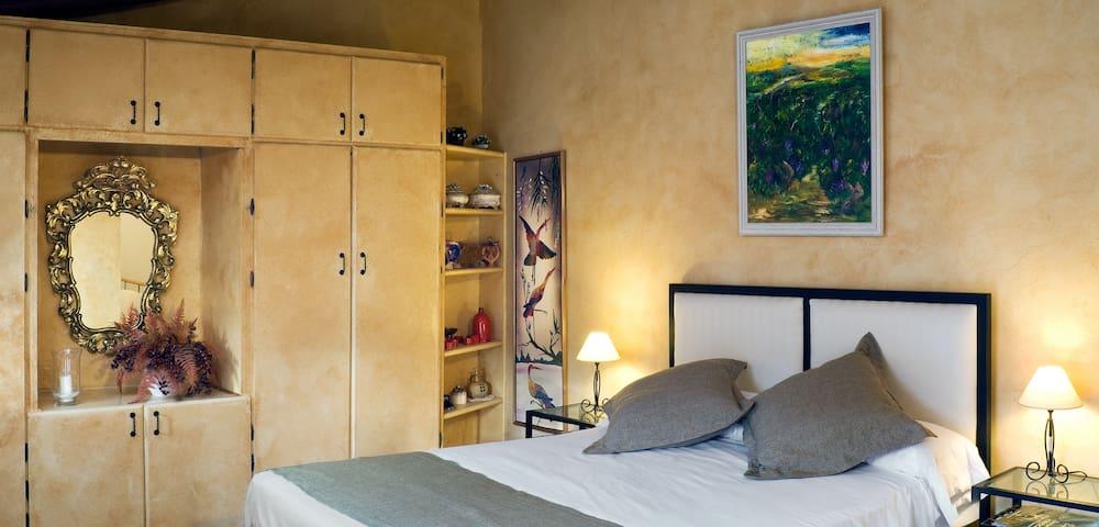Habitación Abeto - Casa Rural El Pati de l´Albera