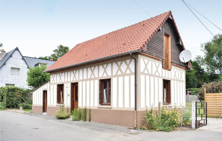 Holiday cottage with 3 bedrooms on 83 m² in Le Bourg-Dun