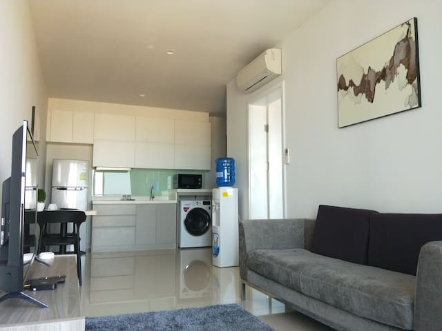 1 Bedroom Newly Smartly Designed High Floor