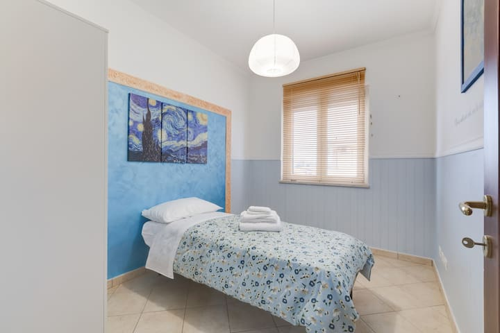 Camera Singola Van Gogh - Anzio - Bed & Breakfast