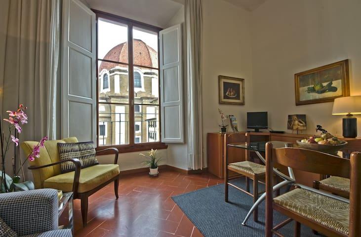 Medici Chapels, Ascensore, Wi-Fi, AC, close to SMN