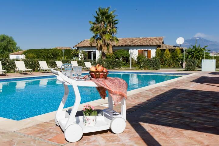 Amazing villa in agriturismo a-est