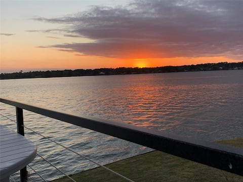 Lakehouse: Sunset: Privacy: 1st or 2nd Honeymoon