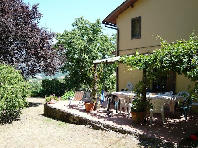 Farmhouse,views pool and tennis  - Umbertide - Casa