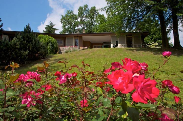 Villa dei laghi-family owned