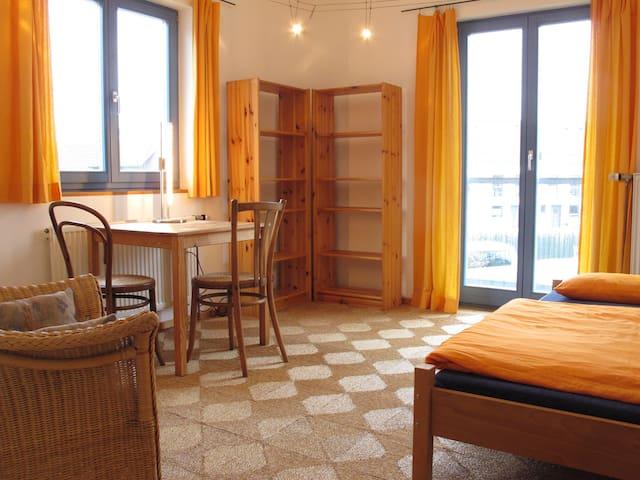 ruhiges Viertel, gute Anbindung - Nürnberg - Bed & Breakfast