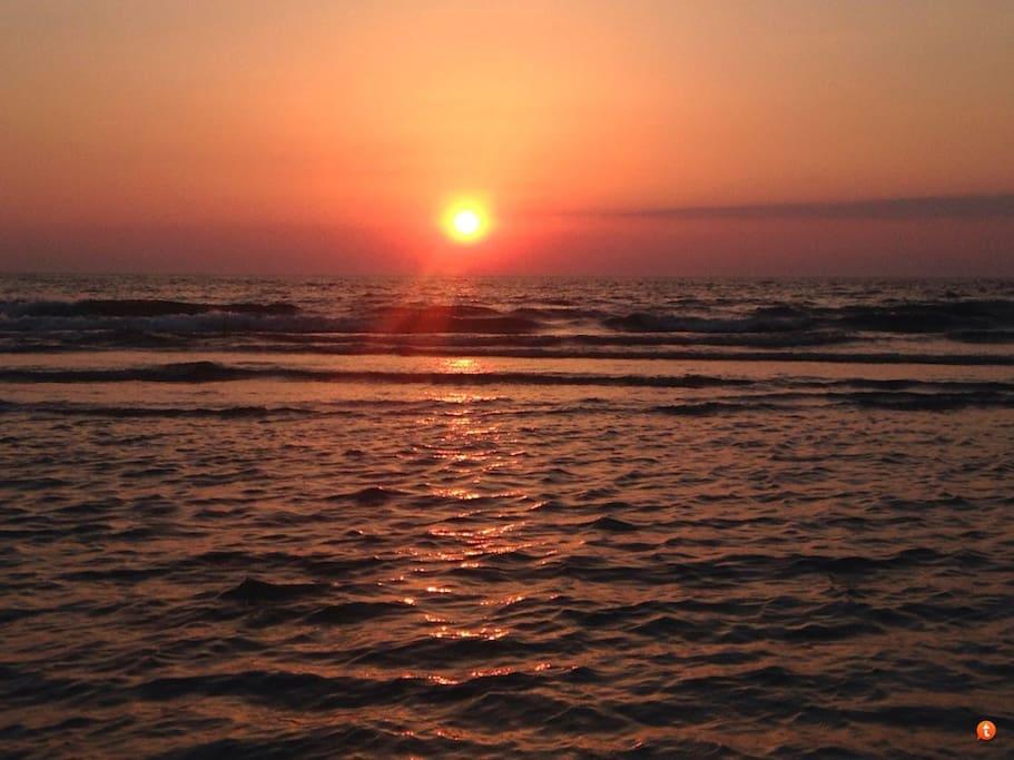 Sonnenuntergang über dem Achterwasser vom Landhaus Sandra gesehen