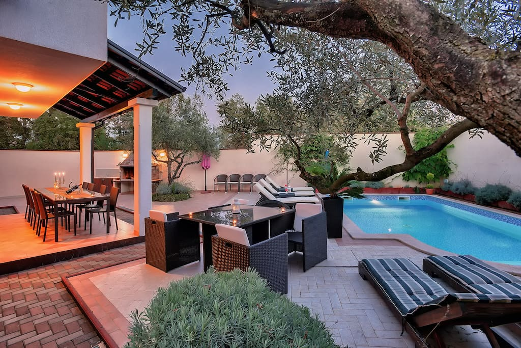 Spectacular Villa for up to 12 persons