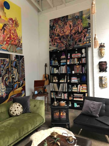 Open, spacious , Artist live/work with skylight