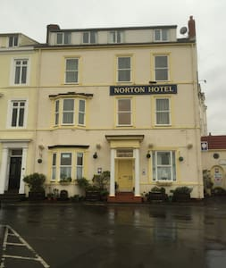 Self catering Hotel next to the Sea - Seaton Carew