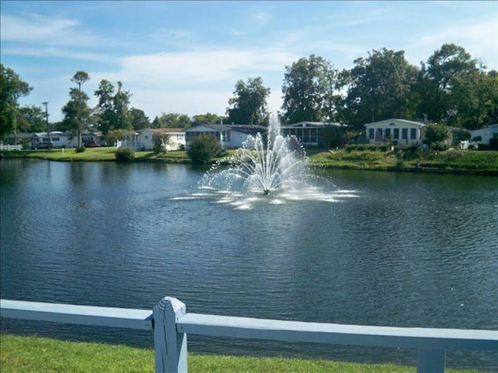 3 Bed, 2 Bath Private Waterfront Paradise