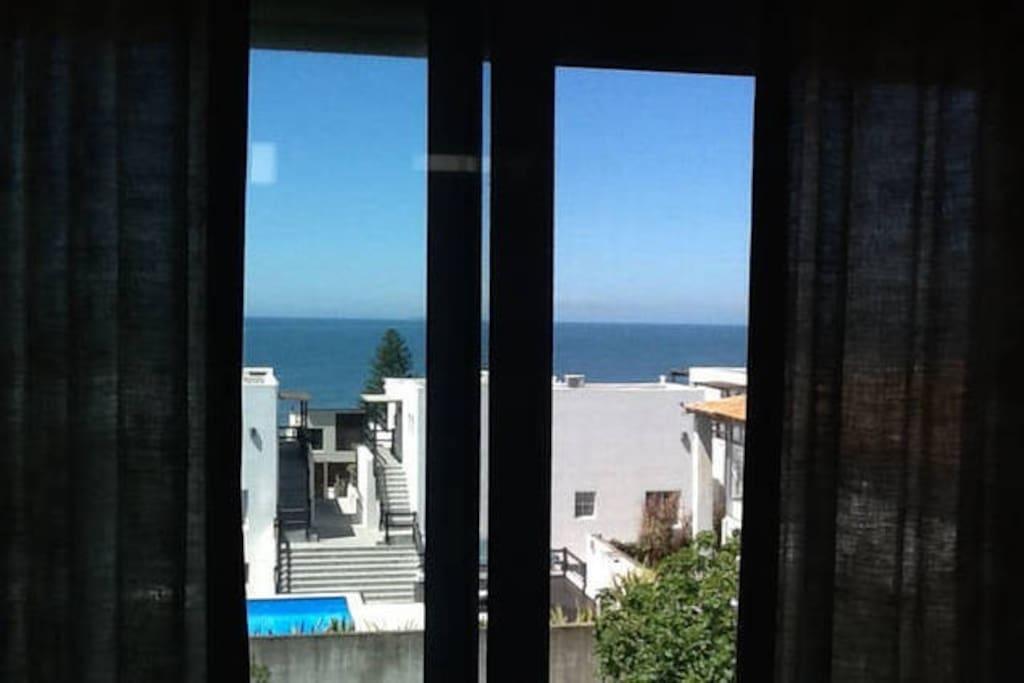 Vista al mar desde el dormitorio principal
