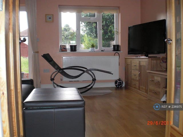 Double Room - Beautiful House with Large Garden
