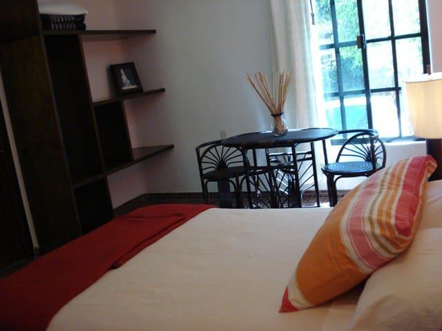 Casa bonita cerca de las Misiones de JuníperoSerra - Santiago de Querétaro - Bed & Breakfast