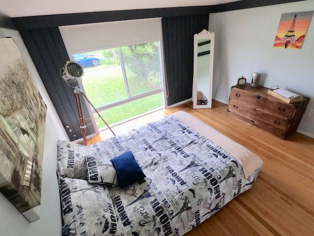 Cozy Room for 2 near expressway, quiet place