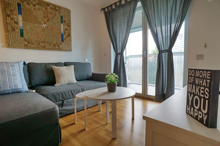 Apartment in front of Fira Gran Via