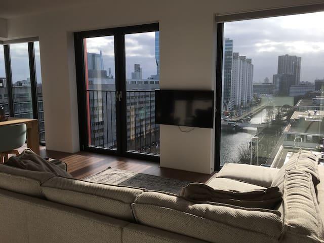 11th floor stylish 2 bedroom apartment + parking - Rotterdam - Apartment