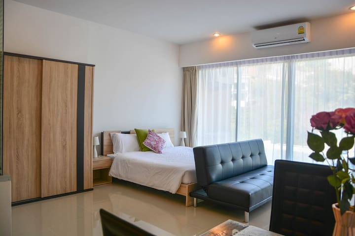 Modern Apartment Walking Distance to Karon Beach - Karon - Pis