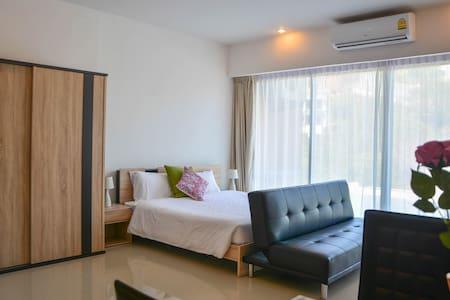 Modern Apartment Walking Distance to Karon Beach - Karon