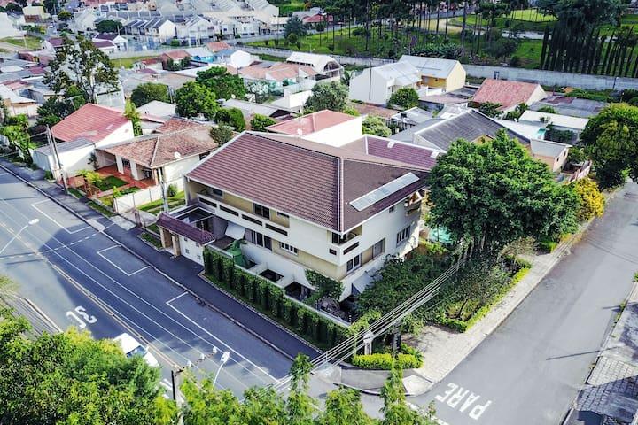 The Flintstones House 1 - The Family Luxury - Curitiba - Hus