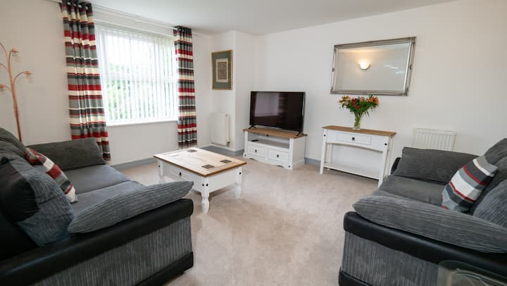 Central For The North Spacious 2 Bed En-Suite WIFI