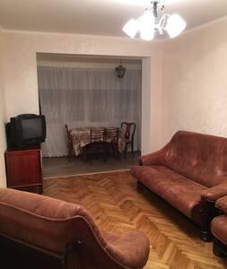 2-х комнатная квартира около моря (район Турбазы)