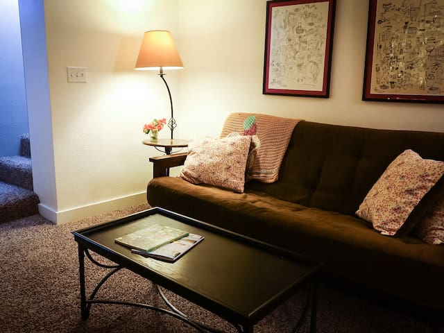 Sweet downstairs flat with great coffee, comfy bed - Portland - Apartemen