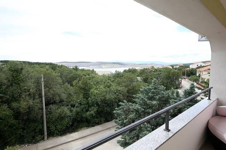 apartment for 4+1 persons in Jadranovo R82601