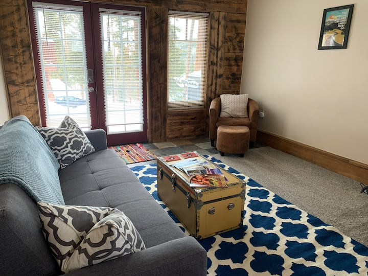 Breckenridge Heights Guest House Apartment