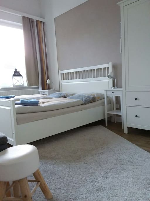 doppelzimmer mit bad und kl k che im zentrum wohnungen zur miete in oldenburg niedersachsen. Black Bedroom Furniture Sets. Home Design Ideas