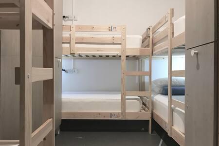 Faloe Hostel - 8 beds mixed dorm
