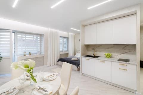 White Lux Apartment Lida