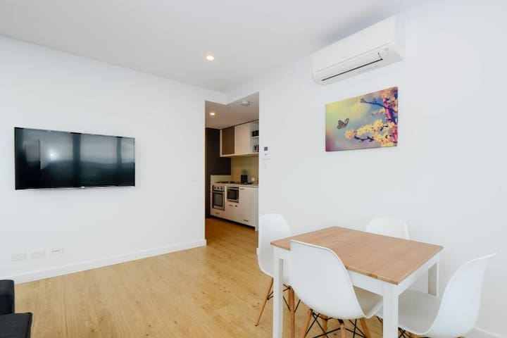2 bed 1 bath - 2 minutes from Southbank