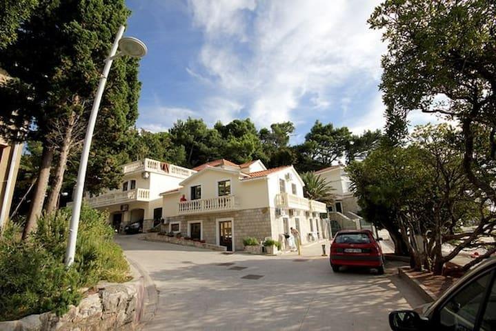 Апартаменты на берегу моря - Petrovac - Villa